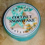 Kringle-Candles-Coconut-Snowflake-Scented-Candle-3