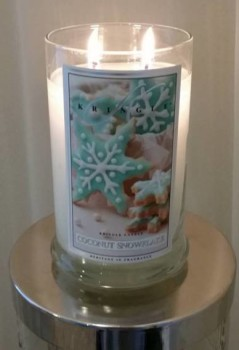 Kringle-Coconut-Snowflake-Scented-Candle-Review-1