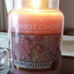 Yankee-22oz-Snowflake-Cookie-Scented-Candle