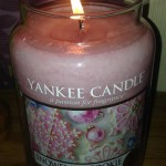 Yankee-Large-Snowflake-Cookie-Scented-Candle