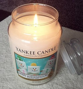 Yankee-Merry-Marshmallow-Scented-Jar-Candle