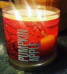 bath-Body-Works-Pumpkin-Apple-Scented-Candle-Review-Photo-2