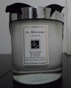 Jo-Malone-Nectarine-Blossom-Honey-Scented-Candle-2