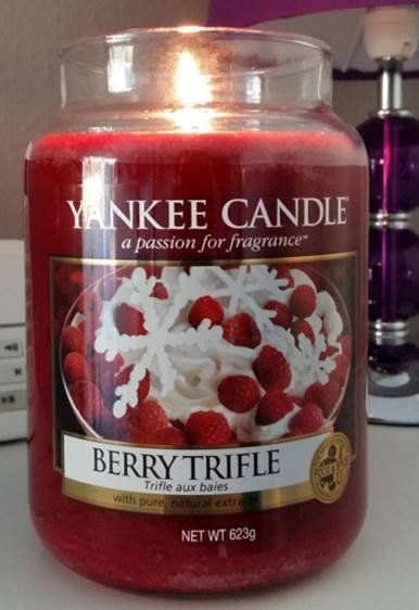 Yankee-22oz-Berry-Trifle-Scented-Candle-2