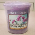 Yankee-Honey-Blossom-Votive-Candle