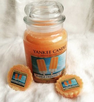 Yankee-Orange-Dreamsicle-Scented-Candle-Review-3