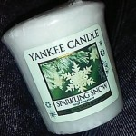 Yankee-Sparkling-Snow-Votive-Candle