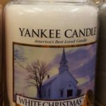Yankee-White-Christmas-Scented-Candle-Review-6