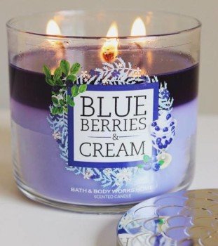 Bath-Body-Works-Blueberries-Cream-Scented-Candle-Review-2