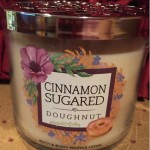 Bath-Body-Works-Cinnamon-Sugar-Doughnuts-Scented-Candle-Review-4