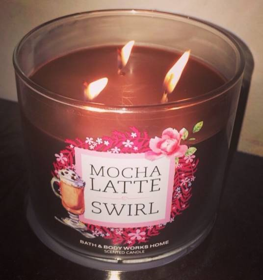 Bath-Body-Works-Mocha-Latte-Swirl-Scented-Candle-Review-1