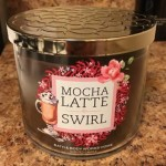 Bath-Body-Works-Mocha-Latte-Swirl-Scented-Candle-Review-3