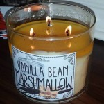 Bath-Body-Works-Vanilla-Bean-Marshmallow-Candle-Review-3