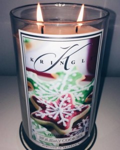 Kringle-Candle-Holiday-Cookies-Scented-Candle-2