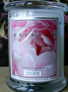 Kringle-Candle-Peony-Scented-Candle-2