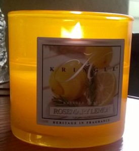 Kringle-Rosemary-Lemon-Scented-Candle-1