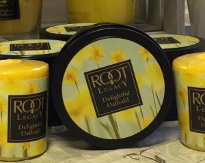 Root-Candle-Delightful-Daffodil-Scented-Candle-Review-1