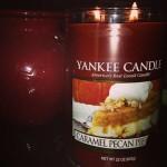 Yankee-22oz-Caramel-Pecan-Pie-Pilar-Candle-1