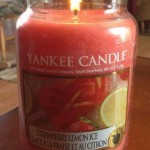 Yankee-Strawberry-Lemon-Ice-Candle-Review-2