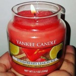 Yankee-Strawberry-Lemon-Ice-Candle-Review-5