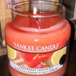 Yankee-Strawberry-Lemon-Ice-Scented-Candle-1