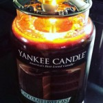 Yankee-Chocolate-Layer-Cake-Scented-Candle-Review-3