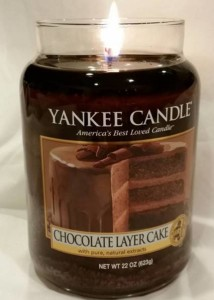 Yankee-Chocolate-Layer-Cake-Scented-Candle-Review-4