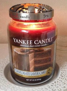 Yankee-Chocolate-Layer-Cake-Scented-Candle-Review-5