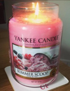 Yankee-Summer-Scoop-Scented-Candle-Review-3
