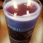 Yankee-Lavender-Vanilla-Scented-Candle-Review-1