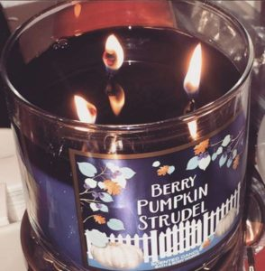 bath-body-works-blueberry-pumkin-studel-scented-candle-1