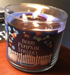bath-body-works-berry-pumpkin-strudel-scented-candle-4