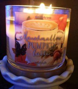 bath-body-works-marshmallow-pumpkin-latte-scented-candle-1