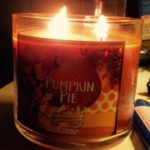 bath-body-works-pumpkin-pie-scented-candle-1