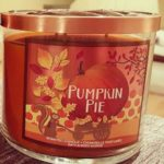 bath-body-works-pumpkin-pie-scented-candle-2
