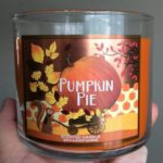 bath-body-works-pumpkin-pie-scented-candle-6