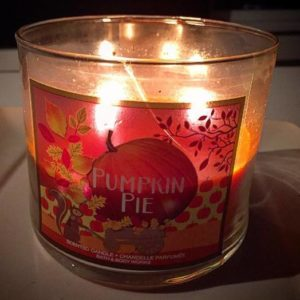 bath-body-works-pumpkin-pie-scented-candle-7