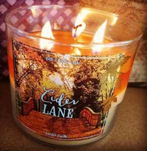 bath-body-works-cider-lane-scented-candle-best-1