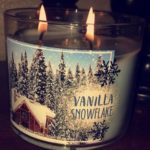 bath-body-works-vanilla-snowflake-scented-candle-1