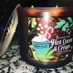 bath-body-works-hot-cocoa-cream-scented-candle-review-1