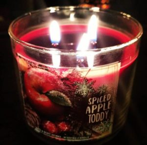 BBW-Spiced-Apple-Toddy-Candle-1
