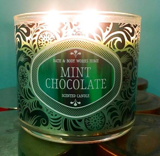 Bath & Body Works Holiday Test Candle Review: Chocolate ...