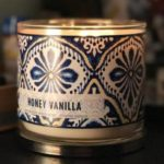 Bath-Body-Works-Honey-Vanilla-Scented-Candle-Review-Photo-1