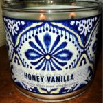 Bath-Body-Works-Honey-Vanilla-Scented-Candle-Review-Photo-4