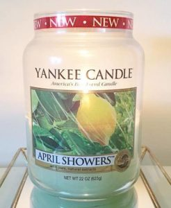 Yankee-April-Showers-Scented-Candle-Review