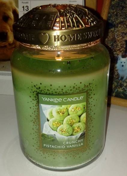 Yankee-Crunchy-Pistachio-Vanilla-Scented-Candle-Review