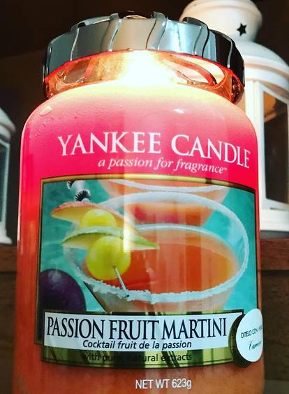 Yankee-Passion-Fruit-Martini-Scented-Candle-Review