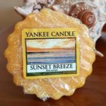 Yankee-Sunset-Breeze-Scented-Candle-Review-1