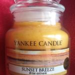 Yankee-Sunset-Breeze-Scented-Candle-Review-4