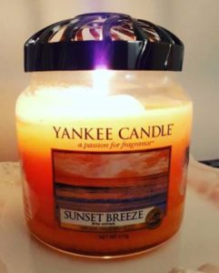 Yankee-Sunset-Breeze-Scented-Candle-Review-star1